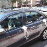 Adornos de iglesia y coche